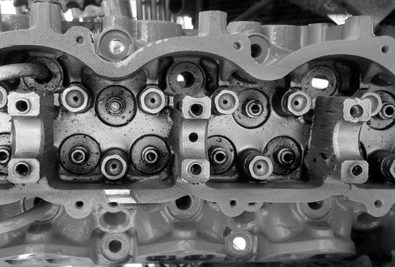Двигатель автомобиля - замена масла